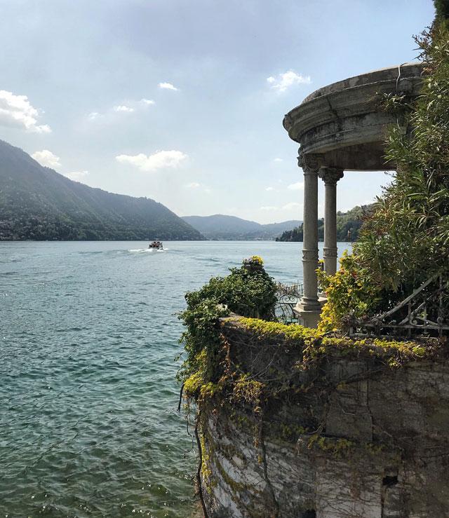 Il Primo Bacino del Lago di Como è la zona più vicina a Como e con più ville e dimore dei vip