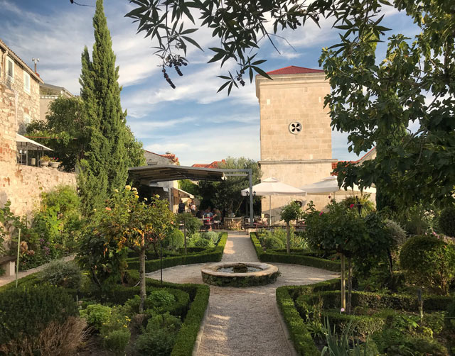 Sebenico è uno dei posti più belli della Croazia: regala tranquillità e bellezza