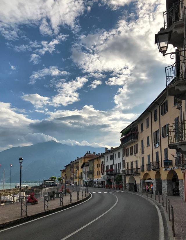 Domaso è un piccolo paese dell'Alto Lago di Como con case affacciate sul lungolago