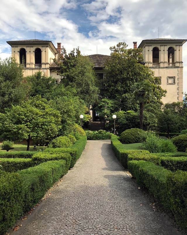 Palazzo Gallio è una delle meraviglie di Gravedona, nell'Alto Lago di Como