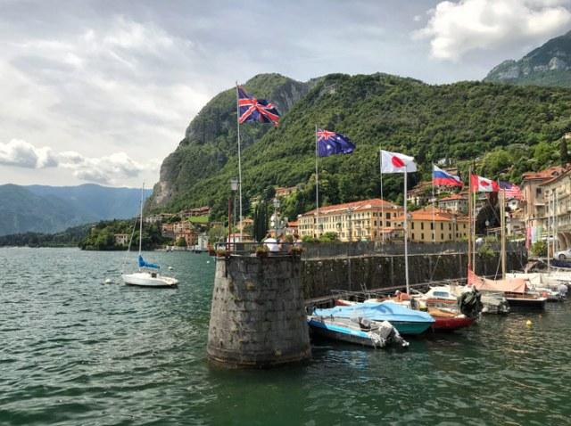 Menaggio sul Lago di Como è un elegante e calmo paese dove i turisti possono rilassarsi