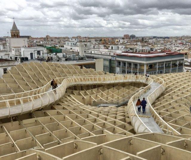 Uno dei gioielli di Siviglia è il Metropol Parasol, meglio conosciuto come Las Setas de Sevilla.