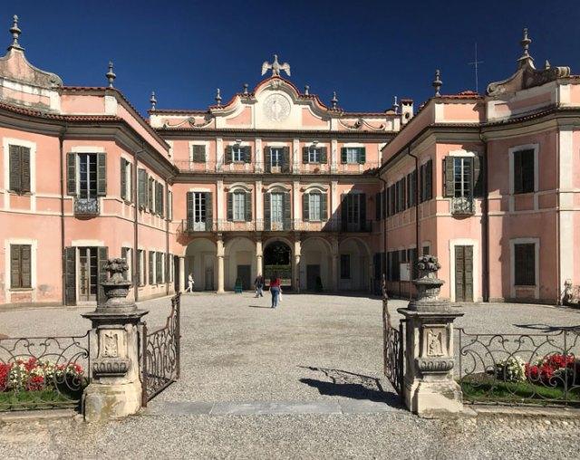 Cosa vedere a Varese? Sicuramente Palazzo Estense e i suoi giardini