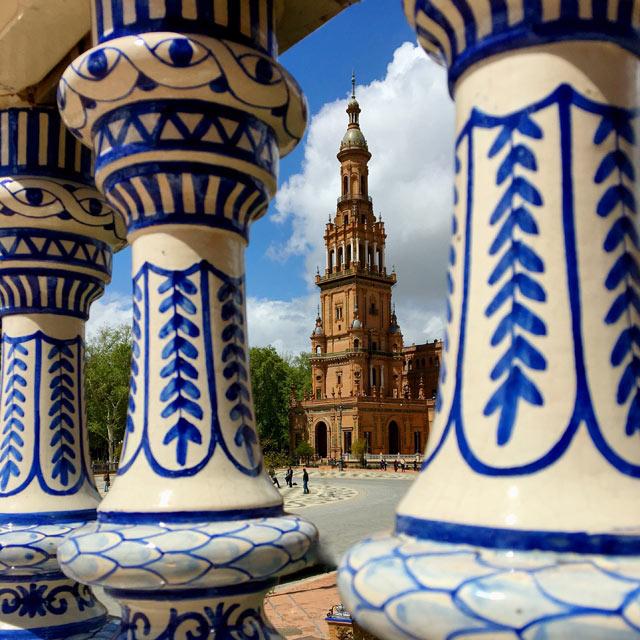 Plaza de España a Siviglia è così belle che regala tanta ispirazione per le foto