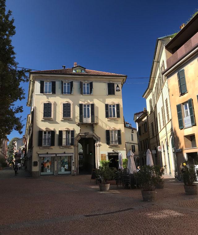 Piazza Carducci è una splendida piazza del centro storico di Varese