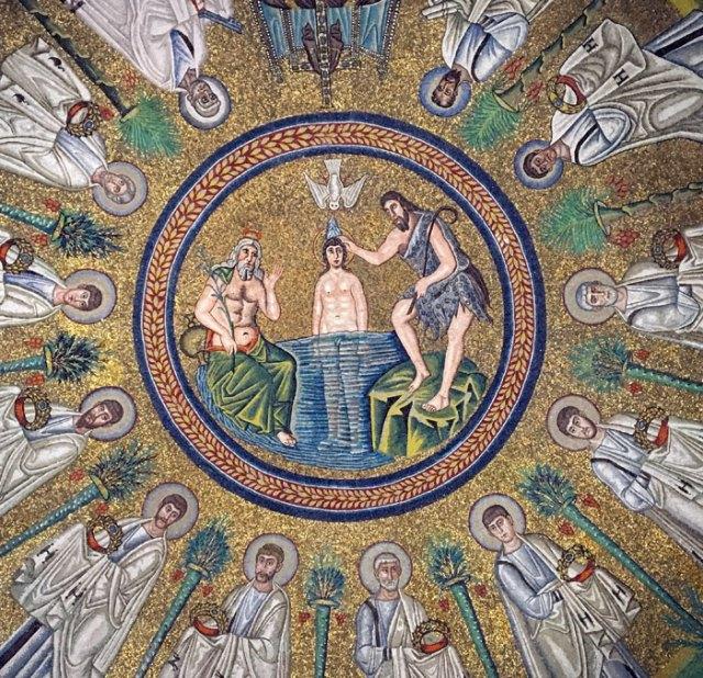 Il Battistero degli Ariani di Ravenna ha un fantastico mosaico col Battesimo di Cristo