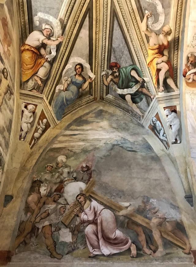 Santa Maria della Neve a Pisogne custodisce uno stupendo ciclo di affreschi del Romanino sulla Passione di Cristo