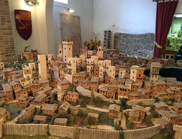 A San Gimignano c'è molto da vedere: è un borgo ricco di arte e storia