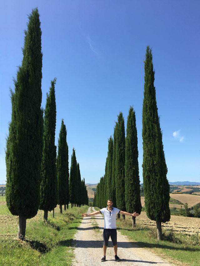 I filari di cipressi sono il simbolo della Toscana: perfetti anche da fotografare