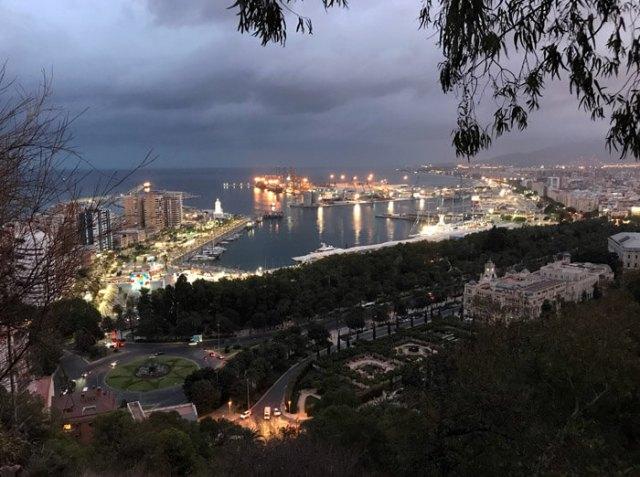 Il Mirador de Gibralfaro di Malaga è perfetto per fotografare le luci della città