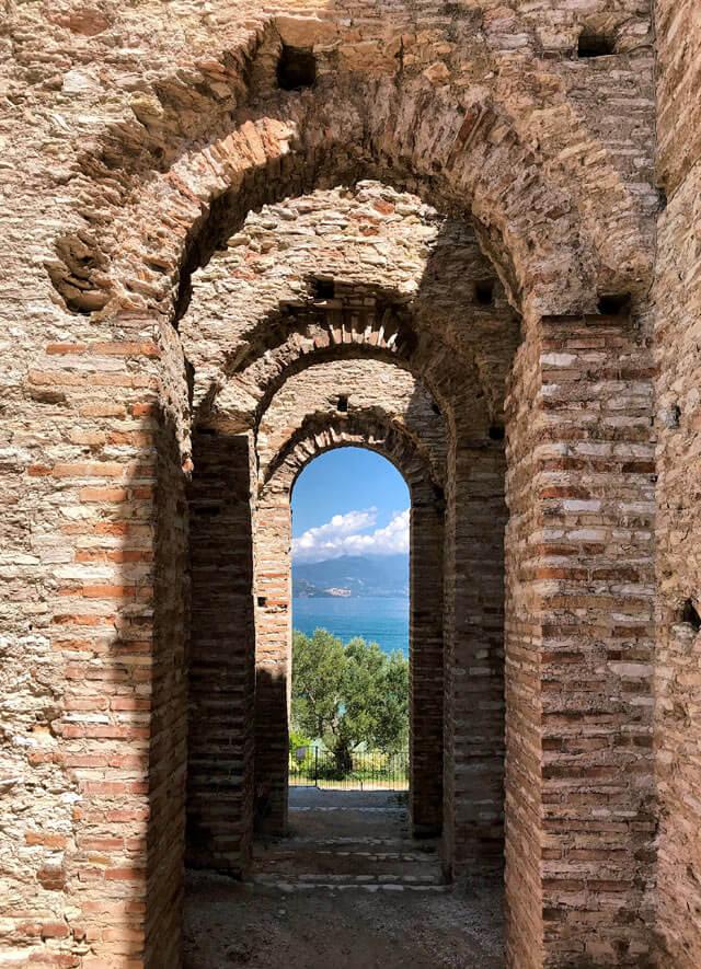 Le Grotte di Catullo di Sirmione sono la più importante domus romana del Nord Italia