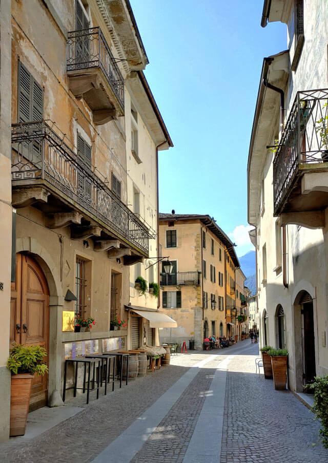 Cosa visitare in Valchiavenna? Il centro storico di Chiavenna coi suoi palazzi antichi