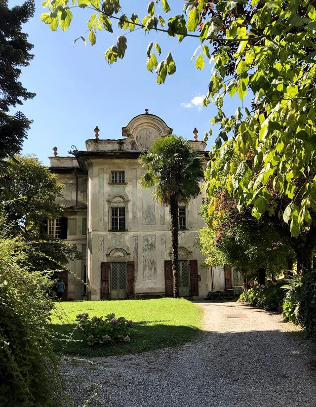 Palazzo Salis a Chiavenna ha un grande salone rococò con affreschi trompe l'oeil