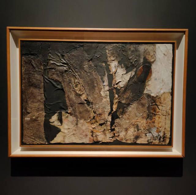 Alberto Burri è protagonista della mostra con Caravaggio al Mart di Rovereto