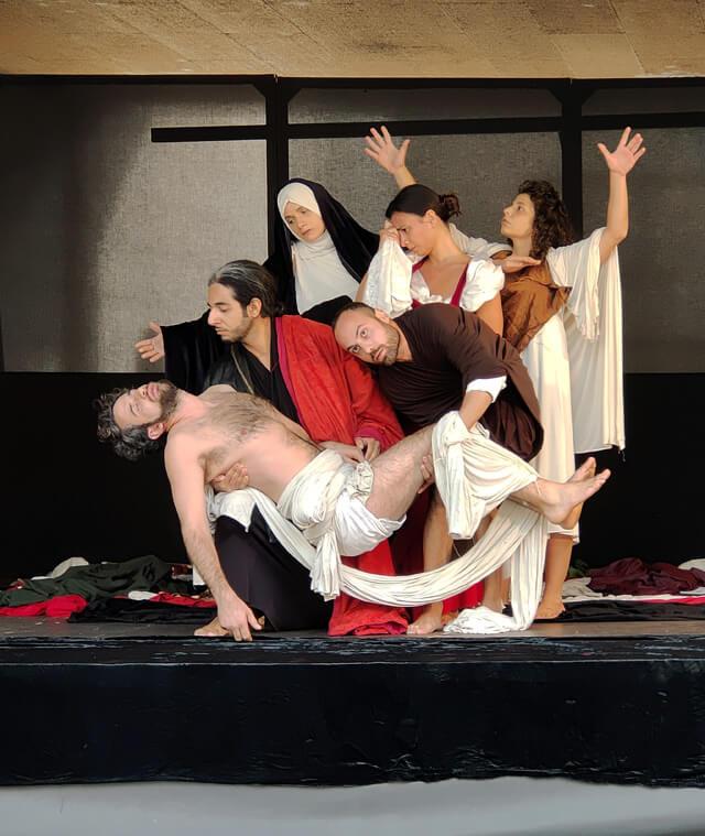 La mostra Caravaggio il contemporaneo al Mart di Rovereto si è aperta con tableaux vivants dei suoi quadri
