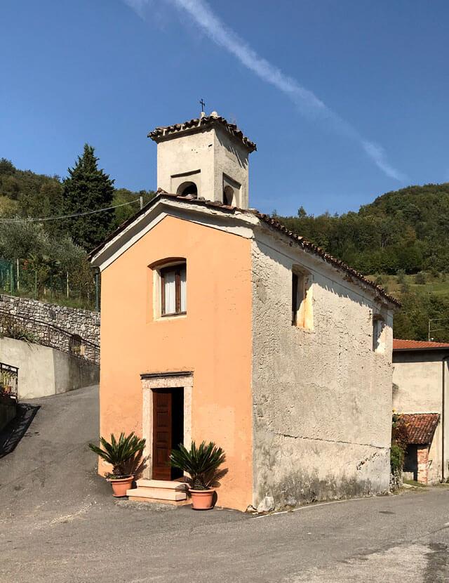 La chiesa della Madonna della Neve apre Cadignano (Tremosine)