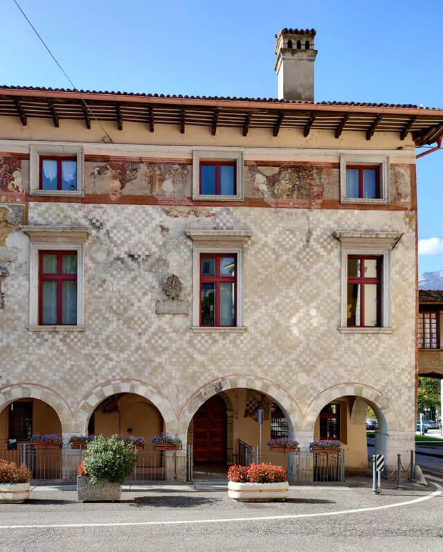 Palazzo Pretorio (o del Municipio) mostra le epoche d'oro di Rovereto