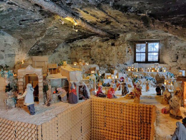 La chiesa di San Lorenzo di Voltino ha dei presepi permanenti