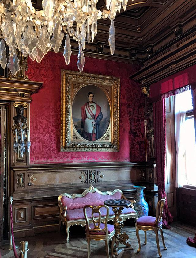 Il castello di Miramare a Trieste ha tanti ritratti, pure dell'imperatore Francesco Giuseppe