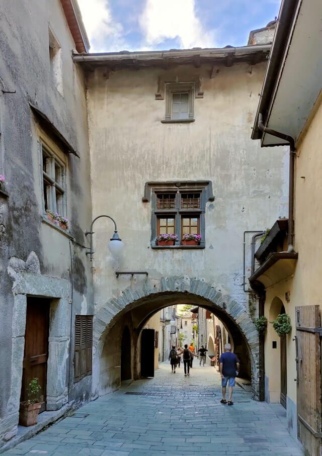 Il borgo di Bard ha 15 case antiche dichiarate monumentali