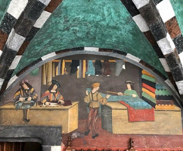 Il Castello di Issogne in Valle d'Aosta ha stupendi affreschi rinascimentali