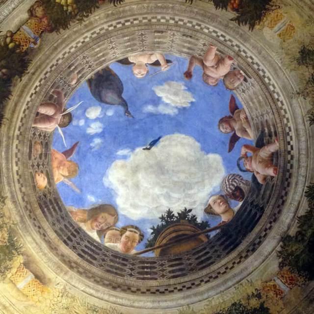 la Camera degli Sposi di Andrea Mantegna è la foto da scattare a Mantova