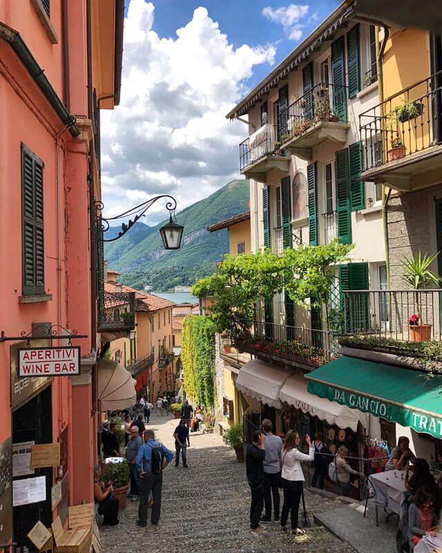 La foto più iconica del Lago di Como è la Scalinata Serbelloni di Bellagio