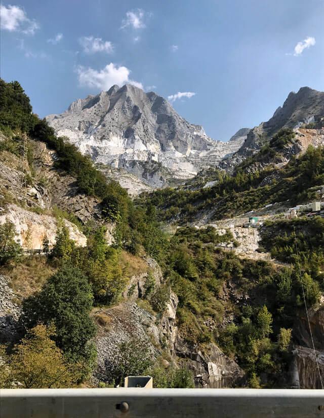 Visitare le cave di marmo è da fare a Massa e Carrara