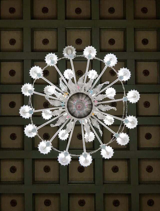 Gli appartamenti del Palazzo Ducale di Massa hanno splendidi lampadari