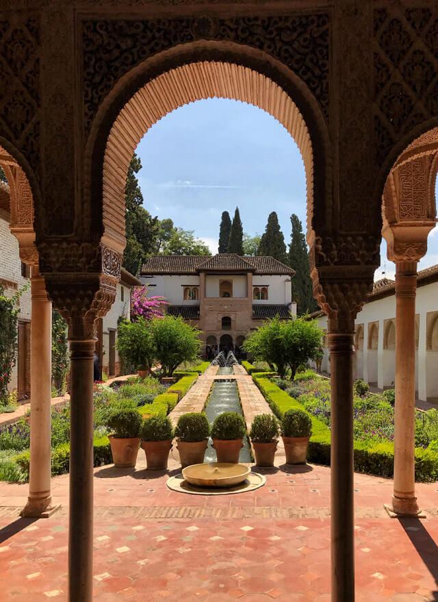Il Generalife dell'Alhambra è una delle meraviglie di Granada!