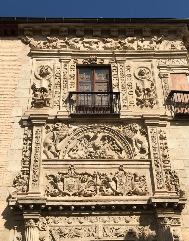 Dettaglio della facciata plateresca della Casa de Castril a Granada