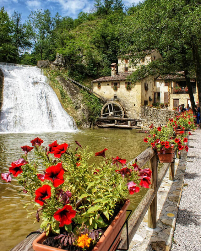 Il Molinetto della Croda è tra i posti da fotografare in Veneto