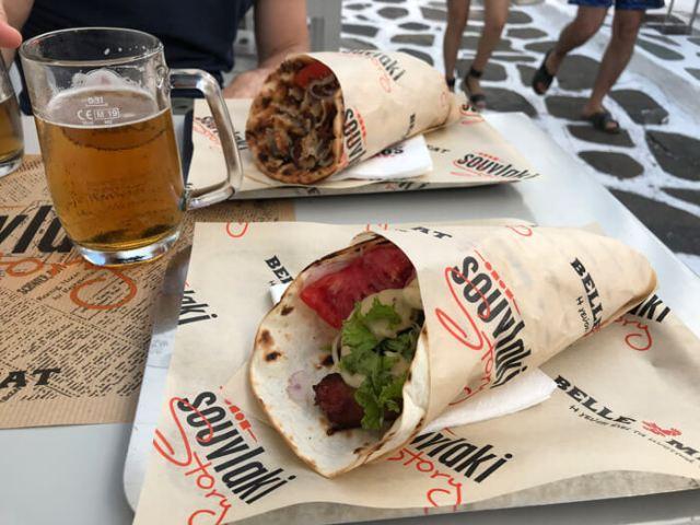 Dove mangiare a Mykonos Town? Al Souvlaky Story