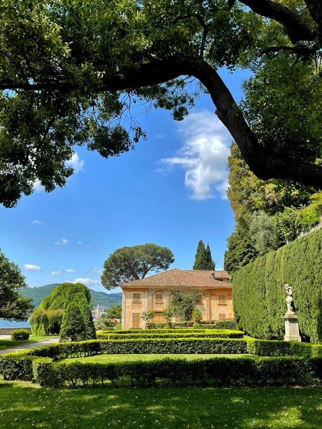 Villa Pizzo ha un enorme giardino da visitare sul Lago di Como