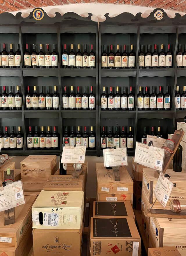 La Banca del Vino di Pollenzo conserva e vende vino