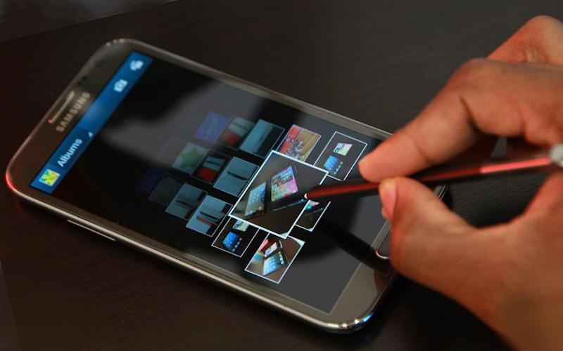 Smartphone dengan baterai yang baik