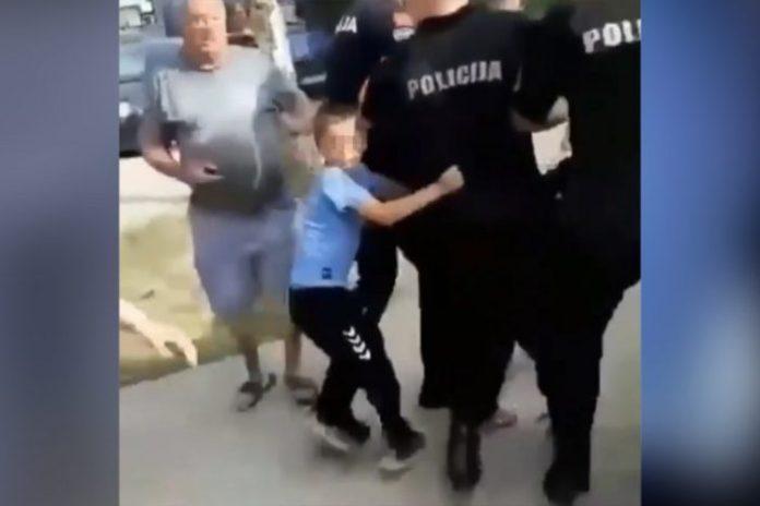 DRAMATIČNI SNIMCI IZ PODGORICE: Priveden otac, deca plaču, DIKTATURA SE NASTAVLJA! (VIDEO) 1
