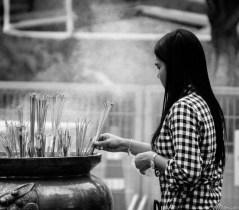 Image of praying at Erawan Shrine, Bangkok (4)