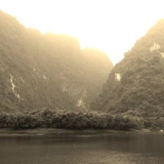 www.sreep.com 20160323_095953 Vietnam, Ninh Binh: Daytrip to the holy grottos of Ninh Binh & Trang An