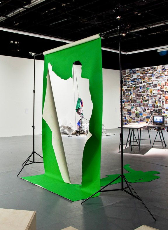 Green Screen in Common Spaces, The Kitchen, New York, 2014