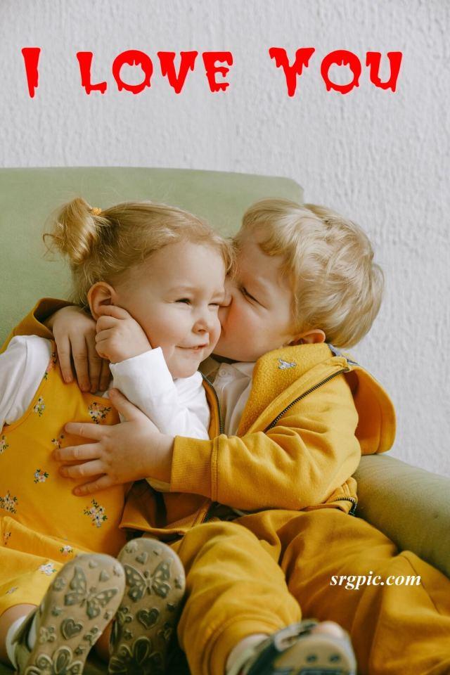 cheerful-little-siblings-hugging-dp-love-pic