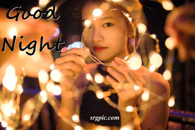 girl-with-night-light