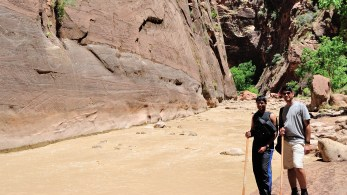 Muddy water cannot take away the beauty of Narrows!! ( OK,... it might take a 'part' of it away! )