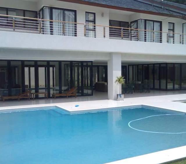 Modern house with aluminium door and window frames. Many advantages by RDA Aluminium