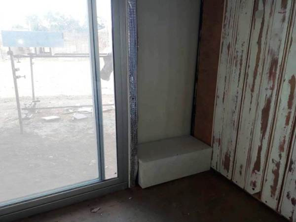 gap after installing sliding door in shipping container