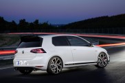 new-volkswagen-golf-gti-clubsport-costs-36450-too-much-money-for-a-golf_18