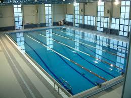 piscina pubblica CI: Nuotare è sicuro?