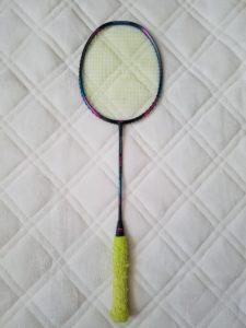 グリップを張り替える前のラケット