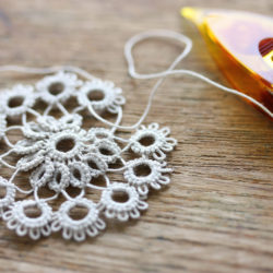 shuttle tatting lace