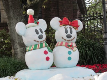 「東京ディズニーリゾート」夜行バスで弾丸ツアー!!「イッツ・クリスマスタイム」の神降臨⁉